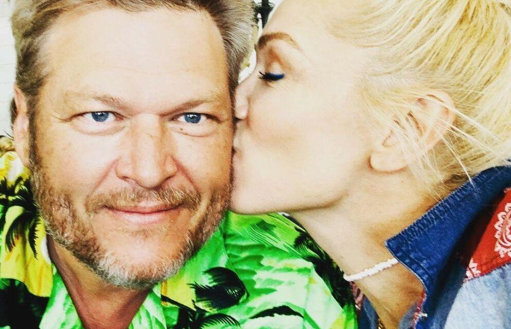 AVSLØRER: I oktober forlovet popstjernen Gwen Stefani og countryartisten Blake Shelton seg. Nylig var førstnevnte gjest i «The Kelly Clarkson Show», og der kom hun med noen oppsiktsvekkende detaljer om frieriet. Foto: Skjermbilde fra Instagram/ Gwen Stefani