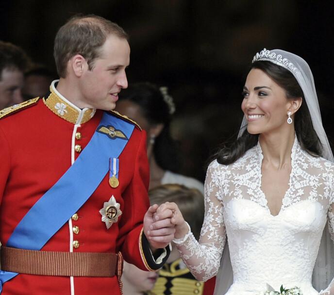 ROSER KATE: Syersken har bare lovord å si om hertuginne Kate. Her er sistnevnte avbildet i bryllupet sitt med prins William. Foto: Martin Meissner / AP Photo