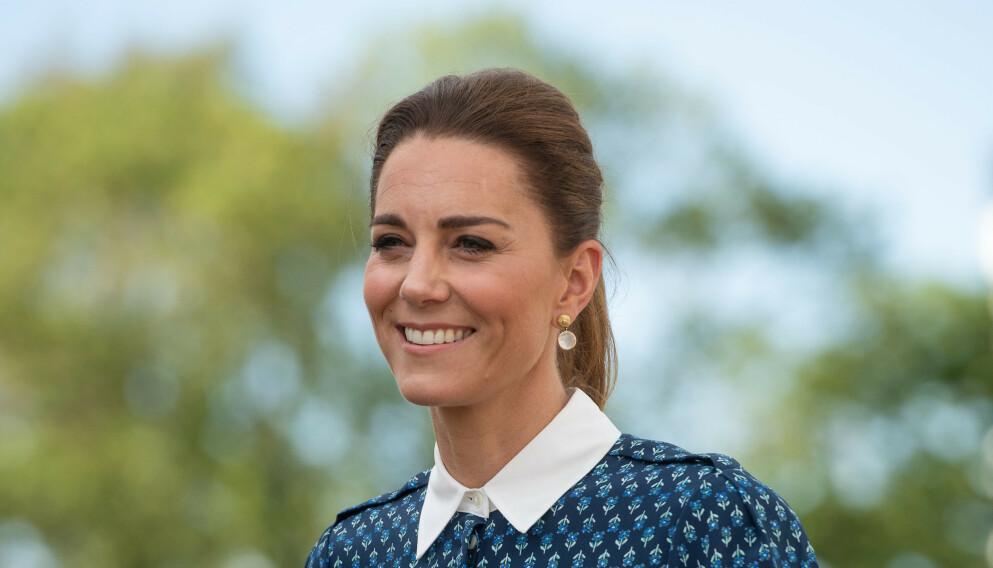 NORMAL: Hertuginne Kate skal visstnok leve et så normalt liv at man aldri ville gjettet at hun en dag skal bli dronning. Foto: Joe Giddens / Pa Photos / NTB
