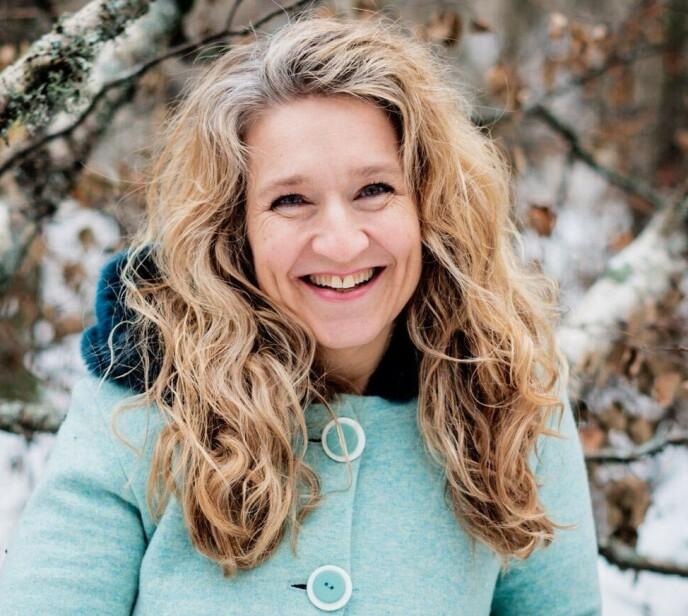 I DAG: Elisabeth Lindland ble for mange kjent som den blide og varme programlederen i «Julemorgen». 15 år senere arbeider hun på Kilden Teater og Konserthus i Kristiansand og tar sangoppdrag i ny og ne. Foto: Jacob Buchard