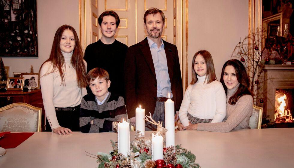 SAMLET: Den danske kronprinsfamilien delte søndag en julehilsen med det danske folket. Foto: Det danske kongehuset