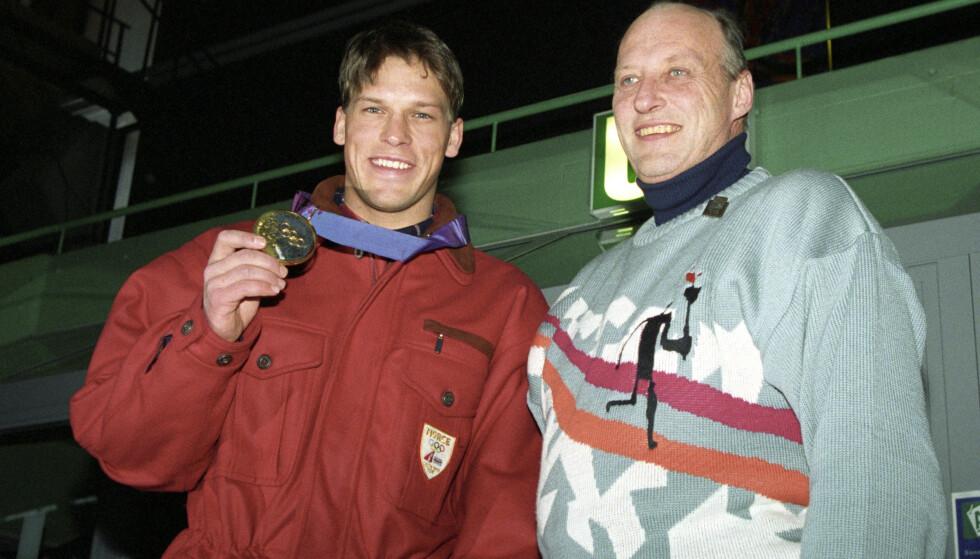 KONGELIG GRATULASJON: Johann Olav imponerte under OL i 1994. Her med kong Harald. Foto: Lise Åserud / NTB