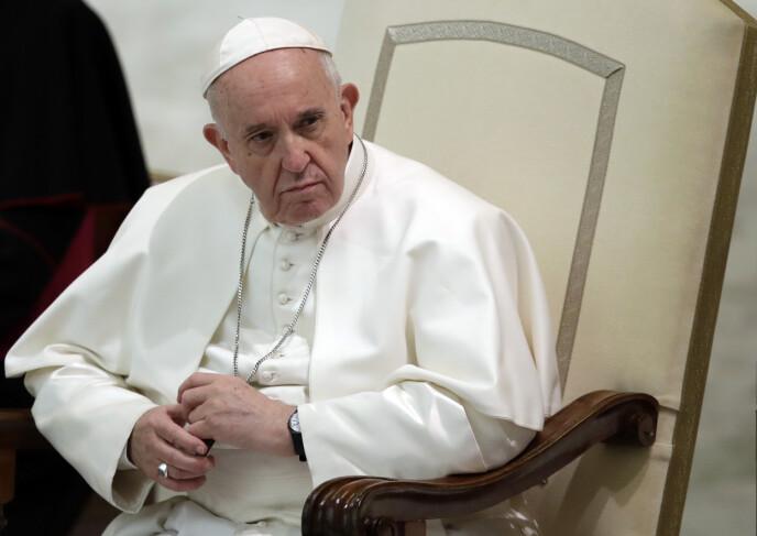 FLAUSE: Pave Frans har belønnet nok en Instagram-modell med et likerklikk. Foto: Alessandra Tarantino / AP / NTB