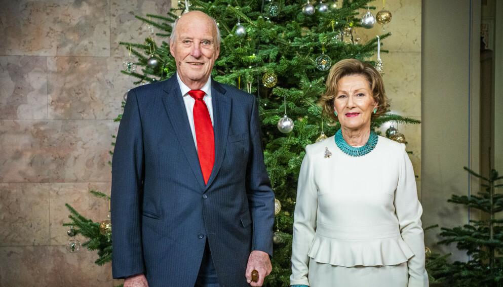 REISER OPP: Kongeparet og kronprins Haakon skal søndag møte mennesker som er berørt av den tragiske rasulykken i Gjerdrum. Foto: Håkon Mosvold Larsen / NTB