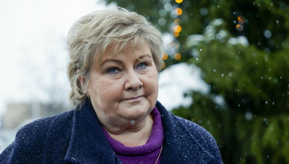 - EN STOR KATASTROFE: Statsminister Erna Solberg besøkte Ask i Gjerdrum etter at det hadde gått et større jord- og leirskred. Foto: Jil Yngland / NTB