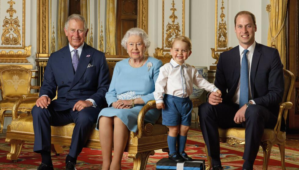 KRITIKK: De tre mennene på dette bildet skal i tur og orden etter planen arve den britiske tronen. Det er det flere som har meninger om. Nå anklages de eldste medlemmene av kongehuset for å utnytte prins George. Foto: Shutterstock / NTB