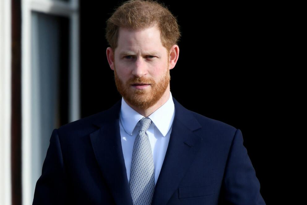 FÅR HØRE DET: Prins Harry får passet påskrevet av en kjent biografiforfatter. Hun mener at prinsen har totalforandret seg etter at han flyttet til USA. Foto: Toby Melville/ REUTERS/ NTB