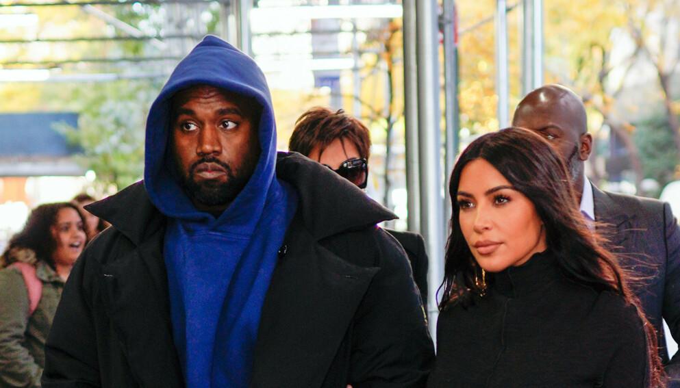 TØFFE TAK: Superparet Kanye West og Kim Kardashian har stått gjennom mang en storm i 2020. Foto: Jackson Lee / Splash News / NTB