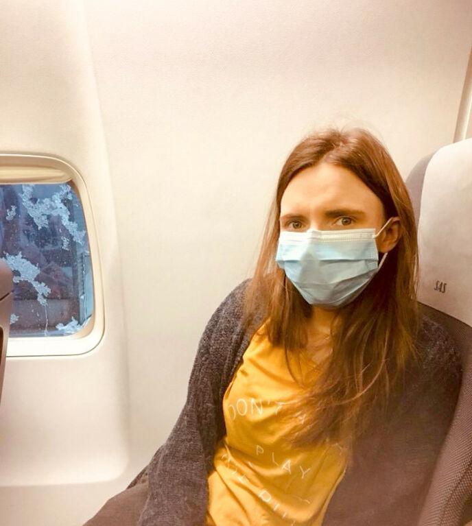 REISTE TIL UTLANDET: Elisabeth Gleine dro ut av Norge for å få hjelp med de store helseproblemene sine. Foto: Privat