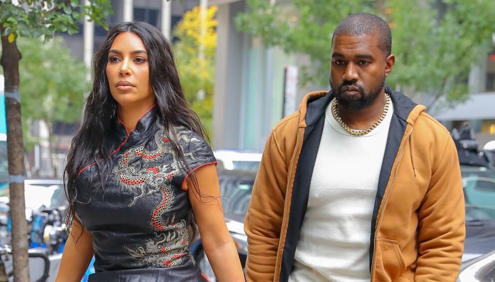 PÅ RANDEN: Stemningen mellom stjerneparet Kim Kardashian West og Kanye West skal være alt annet enn bra. De holder seg angivelig fra hverandre for å beskytte barna. Foto: Felipe Ramales / SplashNews.com / NTB