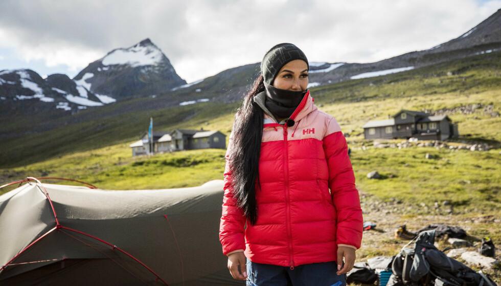 SVØMMING: Influenseren Isabel Raad er mest redd for havet, og kan knapt svømme. Foto: Haakon Lundkvist / TVNorge