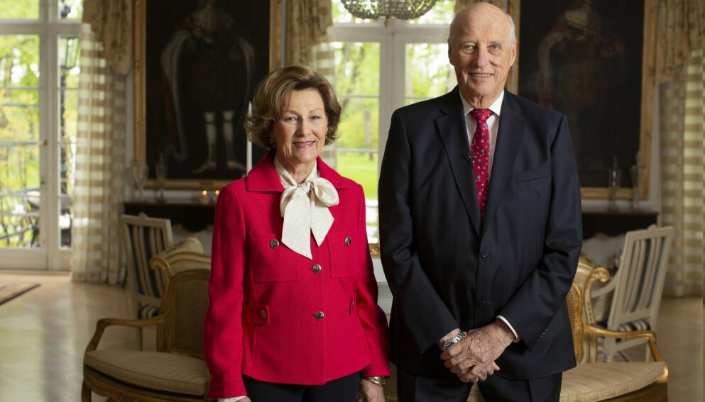 VAKSINERT: Onsdag fikk kong Harald og dronning Sonja coronavaksinen. Foto: Erik Edland / TV2 / NTB