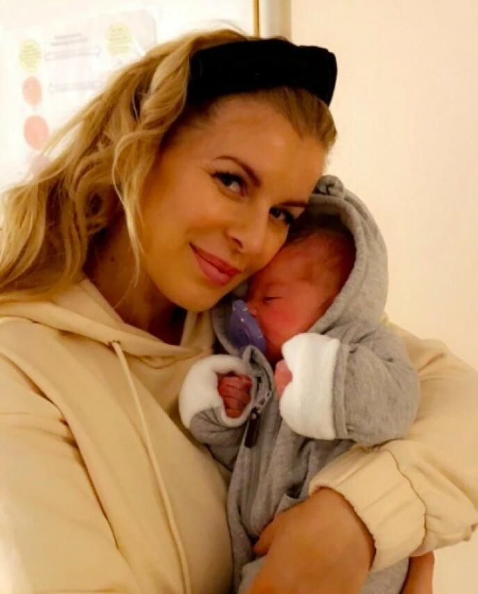 NAVNESTUSS: Mari Haugersveen ble mor for andre gang 1. desember. Nå har den nyfødte omsider fått et navn. Foto: Privat