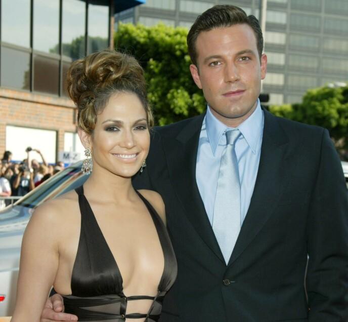 EKSPAR: Superstjernene Jennifer Lopez og Ben Affleck holdt sammen i to år før de skilte lag. Etter skilsmisser og brudd på hver sin kant, ser det ut til at «Bennifer» nå treffes igjen. Her avbildet i 2003. Foto: Jim Smeal / BEI / REX / NTB
