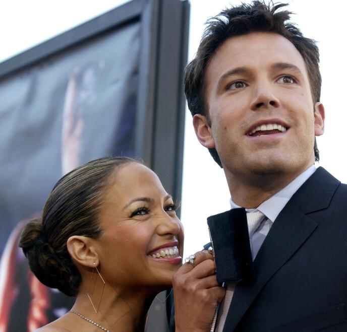 POPULÆRE: Jennifer Lopez og Ben Affleck var et av Hollywoods største stjernepar på tidlig 2000-tallet. Her i 2003. Foto: Chris Pizzello / AP Photo / NTB