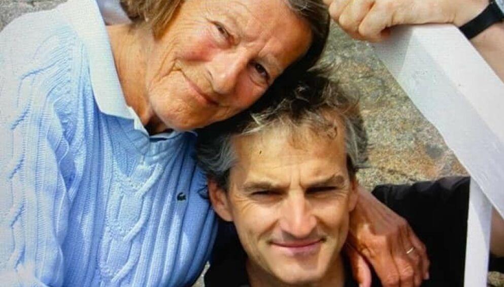 MISTET MOR: I et Facebook-innlegg skriver Jonas Gahr Støre at det har vært en spesiell uke for ham. Foto: Privat / Facebook