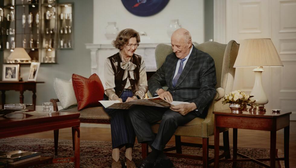 30-ÅRSJUBILEUM: Kong Harald og Dronning Sonja har vært landets kongepar i 30 år. Foto: Jørgen Gomnæs / Det kongelige hoff