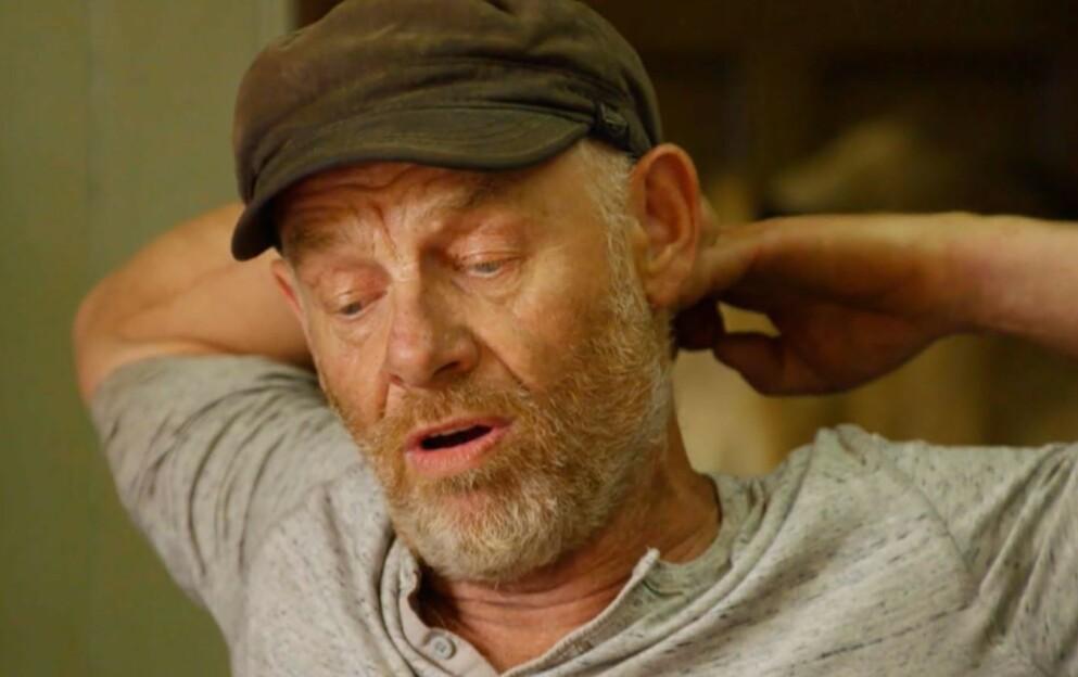 REAGERTE: Espen Thoresen var ikke fornøyd med å bli valgt til førstekjempe i onsdagens «Farmen kjendis», og sa tydelig ifra hva han mente. Foto: TV 2