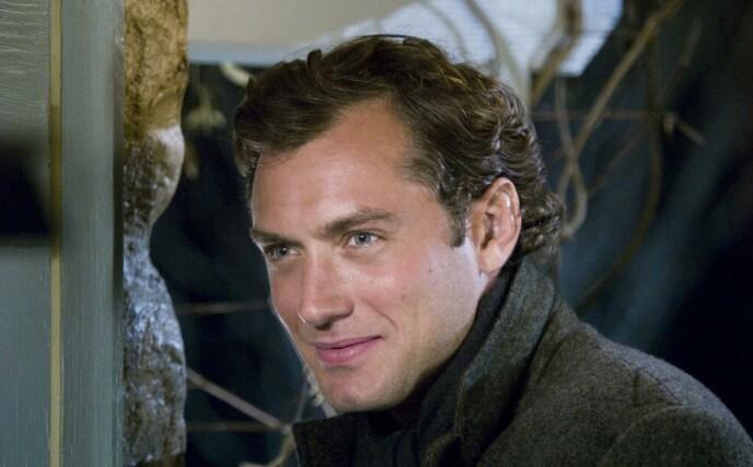 2006: Her er Jude Law under innspillingen av «The Holiday» for 15 år siden. Foto: Moviestore / REX / Shutterstock / NTB