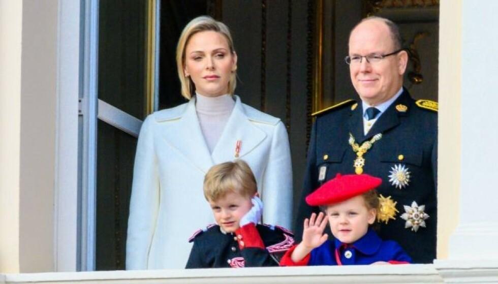 SOLID EKTESKAP: Charlene sier at ekteskapet med Albert er solid. Her med tvillingbarna Jaques og Gabriella i 2019. Foto: Shutterstock / NTB