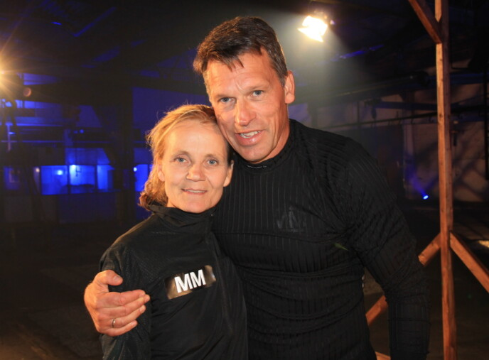 KONKURRENTER: Linda Medalen tapte mot Johann Olav Koss i fredagens nattest. Foto: NRK