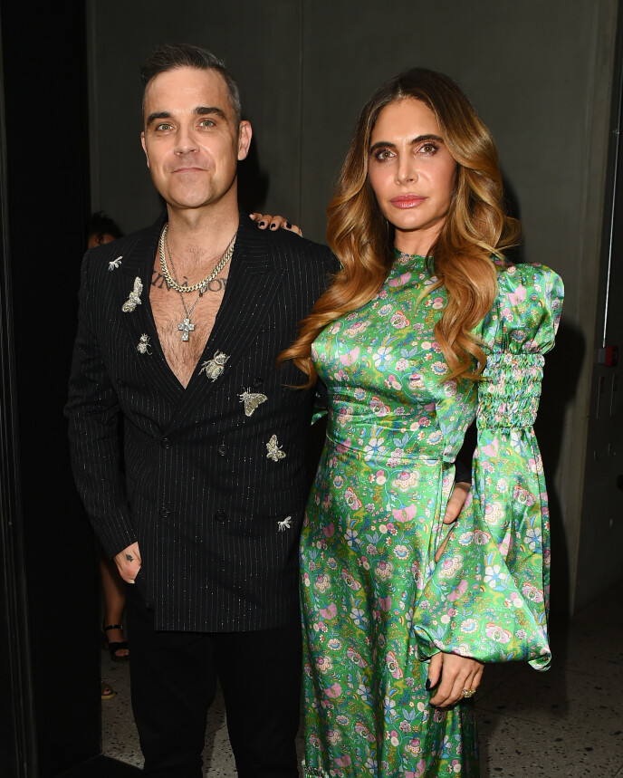 FORLOT LONDON: Robbie Williams og kona Ayda Field forlot London i desember tross strenge reirerestriksjoner. Foto: Hewitt/SplashNews.com/NTB
