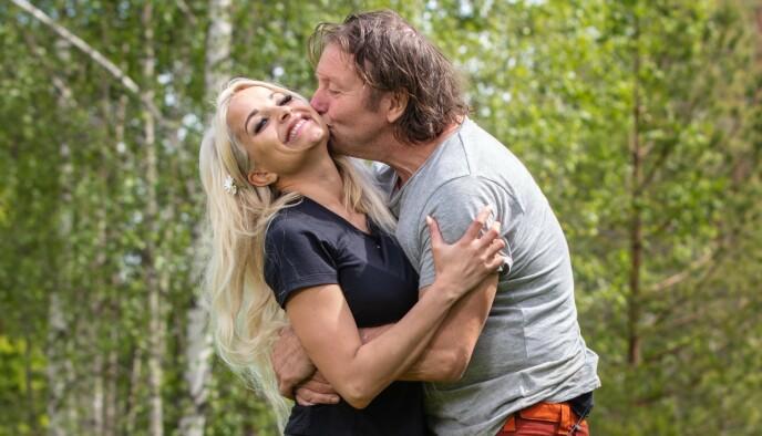 PERLEVENNER: Linni Meister og Svein Østvik var og er gode venner. De to fant imidlertid ikke tonen med Mira Craig inne på «Torpet kjendis. Foto: Alex Iversen / TV 2