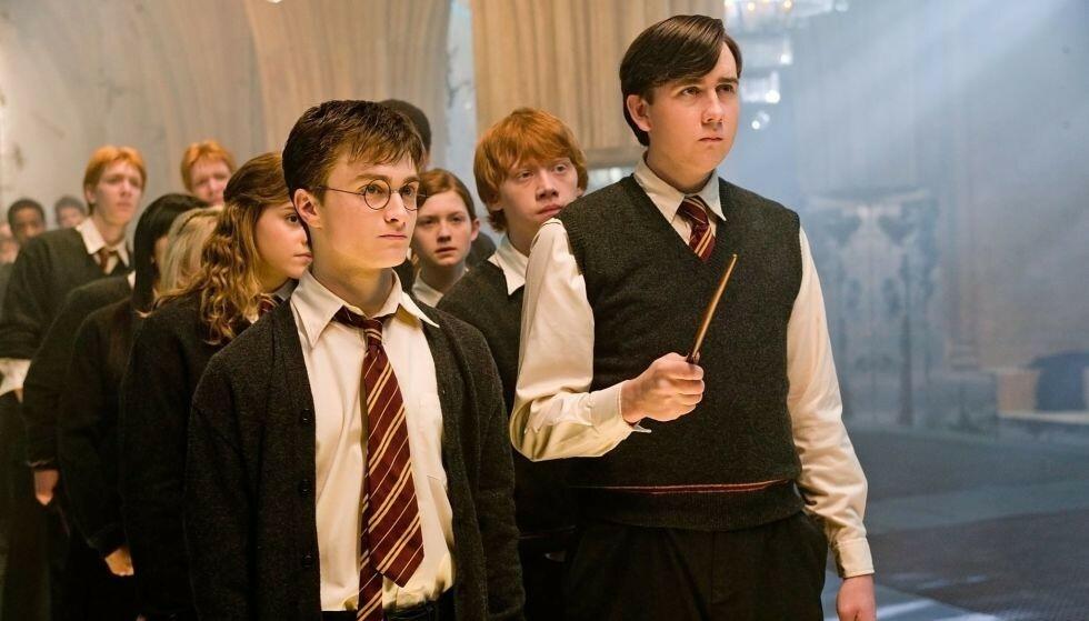 REDD OG NERVØS: Neville Longbottom var i de første filmene en tilbaketrukket karakter som ikke hadde hellet med seg. Foto: Warner Bros.