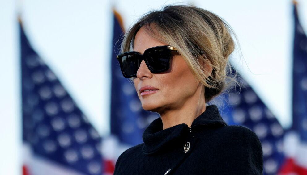 SISTE GLIMT?: Melania Trump er visstnok klar for å trekke seg tilbake fra rampelyset. Her fra ektemannens siste tale som president. Foto: Carlor Barria/Reuters/NTB