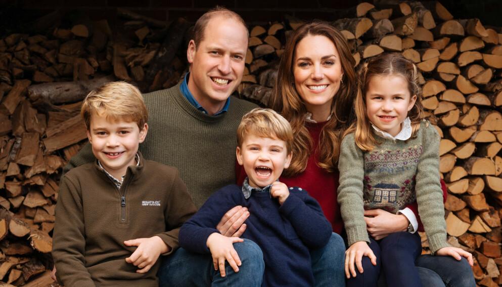 FAMILIE: Prins William og hertuginne Kate har hendene fulle med sine tre barn (f.v) prins George, prins Louis og prinsesse Charlotte. Foto: The Duke And Duchess Of Cambridge/Kensington Palace/pa/wpa Pool/Shutterstock/NTB