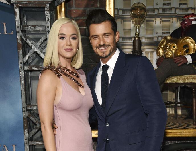SMÅBARNSFORELDRE: Katy Perry og Orlando Bloom fikk datteren Daisy i august i fjor. Foto: Chris Pizzello/Invision/AP/NTB