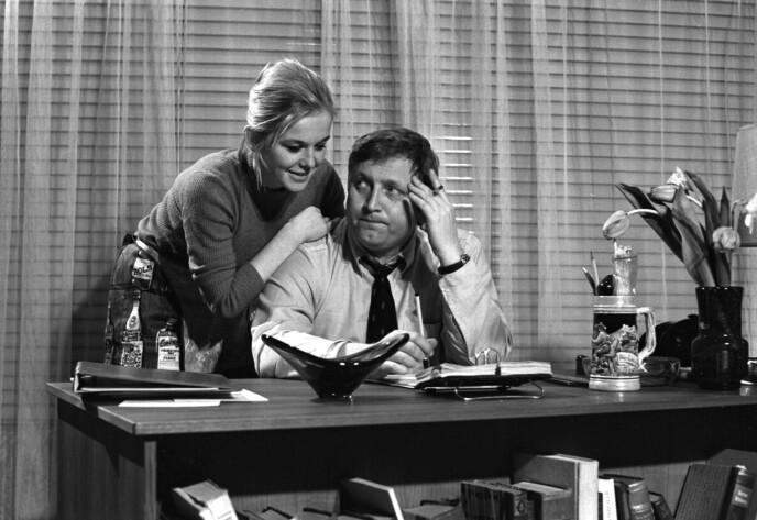 1970: Kjersti Døvigen har vært å se i en rekke filmer opp gjennom årene. Her er hun avbildet med den avdøde skuespilleren Rolv Wesenlund i filmen «Douglas» i 1970. Foto Aage Storløkken / NTB