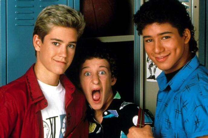 KJENTE FJES: F.v: Mark Paul Gosselaar, Dustin Diamond og Mario Lopez gjorde stor suksess i «Saved by the Bell» på 90-tallet. Foto: Moviestore/REX/NTB