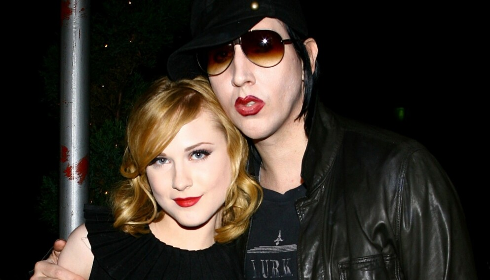 SVARER: Det siste døgnet har det kommet flere beskyldninger mot Marilyn Manson. Nå svarer han på anklagene. Her er han avbildet med eksforloveden Evan Rachel Wood i 2007. Foto: Scott Wintrow / AFP / NTB