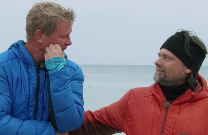 RØRT TIL TÅRER: Steffen Iversen var tydelig preget over at Per Heimly valgte å bli merket istedenfor ham. Foto: TVNorge