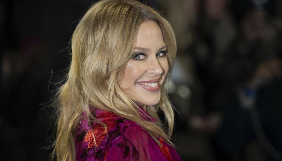 FORLOVET: Kylie Minogue skal være forlovet med kjæresten, Paul Solomon. Foto: Vianney Le Caer/Invision/AP/NTB