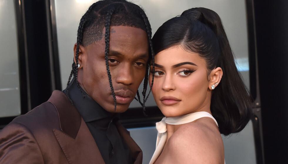 FORVIRRENDE: Det er vanskelig å bli klok på hva slags forhold Travis Scott og Kylie Jenner egentlig har. Her er de avbildet under en filmpremiere i Los Angeles sommeren 2019. Foto: AFF-USA/Shutterstock/NTB