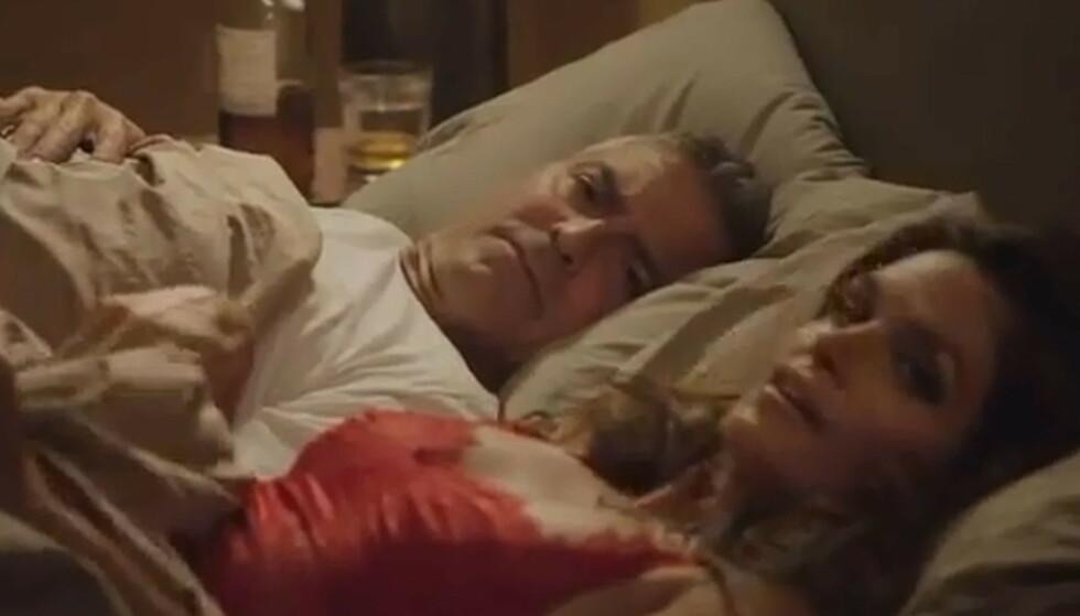 VIRKELIGHET BLE FILM: Hendelsen ble inspirasjonen til en reklamefilm der Rande finner Cindy til sengs med - nettopp - George Clooney. Foto: Screenshot fra reklamefilmen