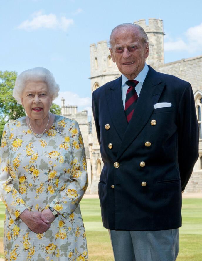 VAKSINERT: Dronning Elizabeth og prins Philip ble vaksinert mot corona forrige måned. Foto: Steve Parsons/PA Wire/NTB