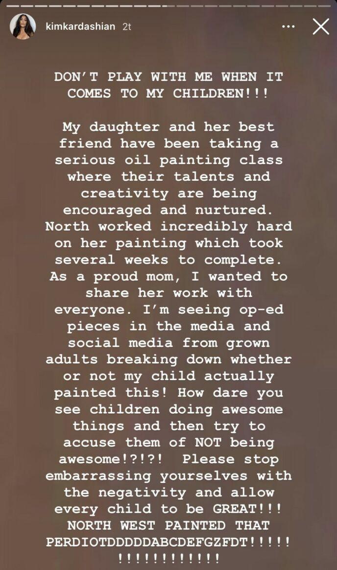 RASER: Kritikken mot datteren fikk Kim til å se rødt. Foto: Instagram / Kim Kardashian