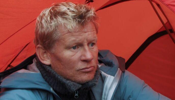 OPPGITT: Den tidligere fotballspilleren våknet opp med verre smerter i ryggen enn dagen i forveien. Foto: TVNorge