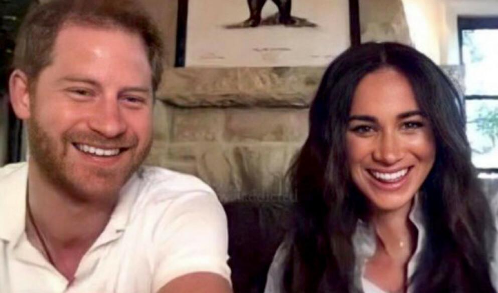 SPESIELL GLØD?: Prins Harry og hertuginne Meghan viste seg nylig under et Zoom-møte. Foto: Skjermdump / Instagram