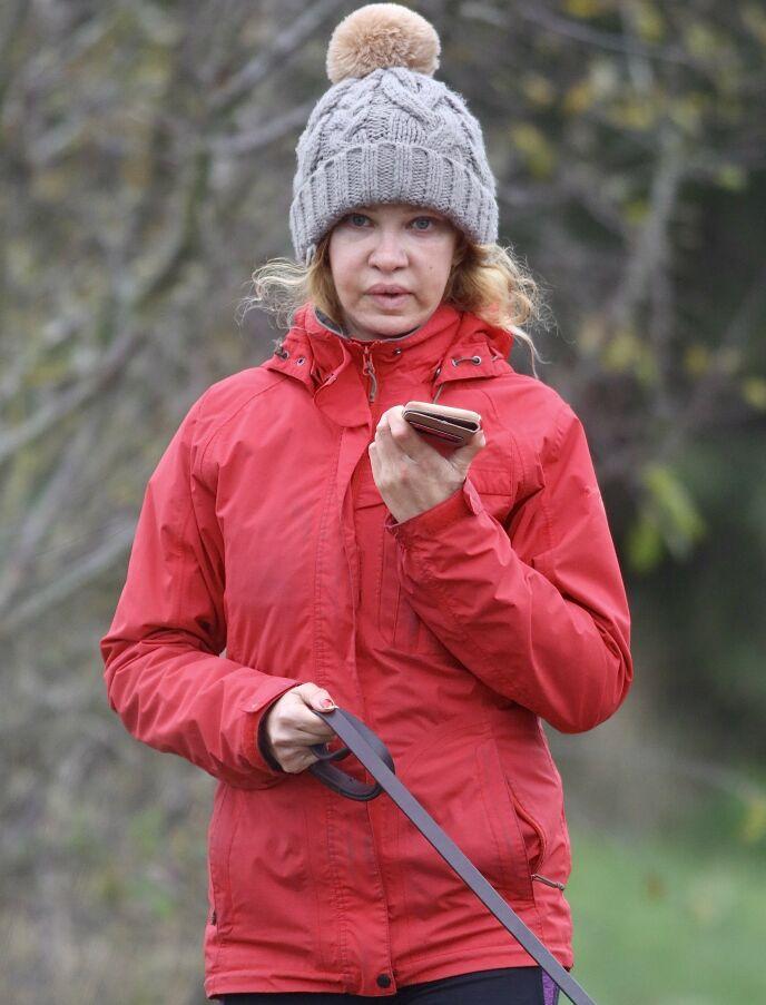 OMDISKUTERT: Alicia Douvall er en av dem som i dag angrer på alle plastiske operasjoner. Her avbildet i november i fjor. Foto: Splash News/ NTB