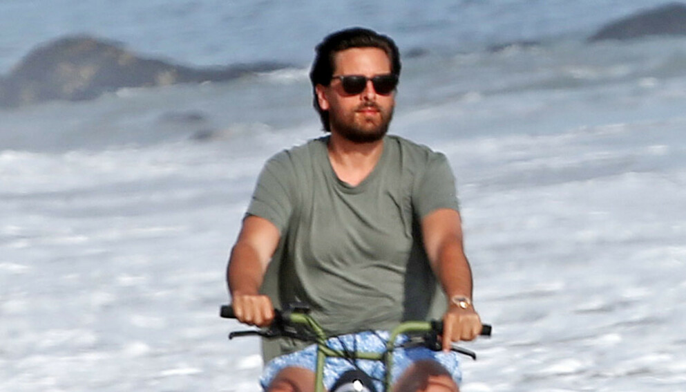 TUT-TUT: Scott Disick på sykkeltur i Malibu i Los Angeles i april i fjor. Foto: Broadimage/Shutterstock/NTB