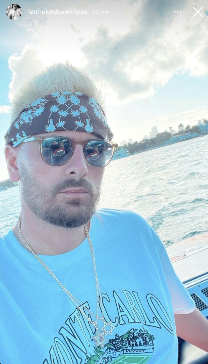 NY FRISYRE: Scott Disick er nå platinablond. Foto: Skjermdump Instagram