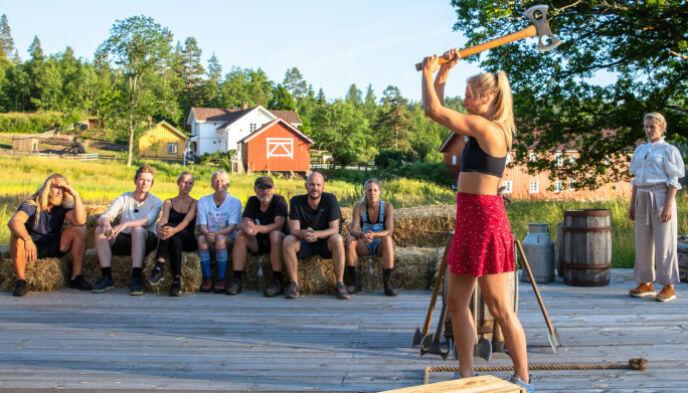 I AKSJON: Kine Olsen (27) lot seg distrahere av Öde Nerdrum på sidelinja, og raseriet lot ikke vente på seg. Foto: Alex Iversen / TV 2