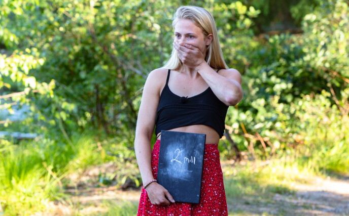 OVERRASKET: Hun trodde det ikke selv, men Kine Olsen tok seg videre i tirsdagens kunnskapskonkurranse. Foto: Alex Iversen / TV 2
