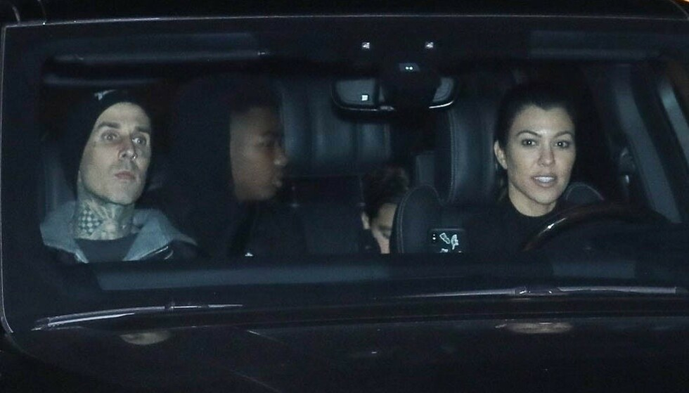 NYTT PAR: Det har lenge florert romanserykter mellom Travis Parker og Kourtney Kardashian. Nå ser imidlertid sistnevnte ut til å bekrefte forholdet. Foto: Ngre Apex / Backgrid USA / NTB