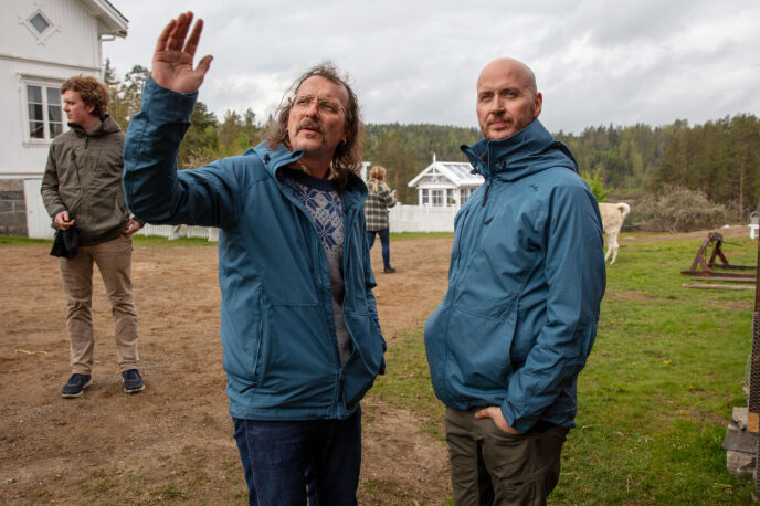I EN BOBLE: Thomas Felberg, her sammen med Terje Sporsem, peker på at oppholdet på tv-gården ikke kan sammenliknes med livet for øvrig. Foto: Alex Iversen / TV 2