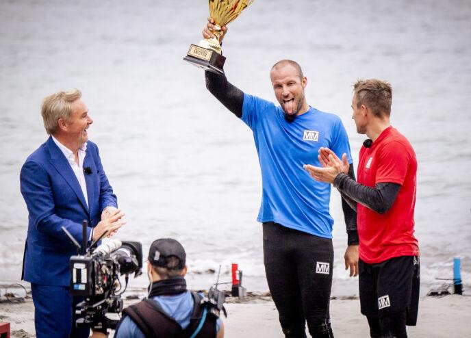 TIL TOPPS: Aksel Lund Svindal med programleder Dag Erik Pedersen og konkurrent Håvard Tvedten. Foto: Lars Eivind Bones / Dagbladet
